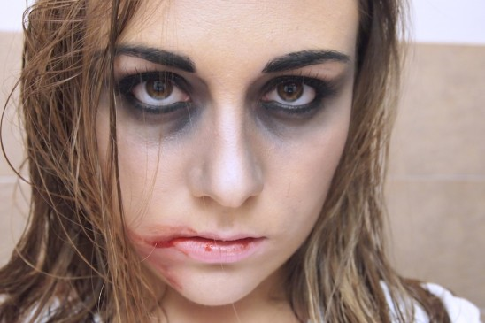 Maquillage simple zombie - Maquillage zombie femme facile ...