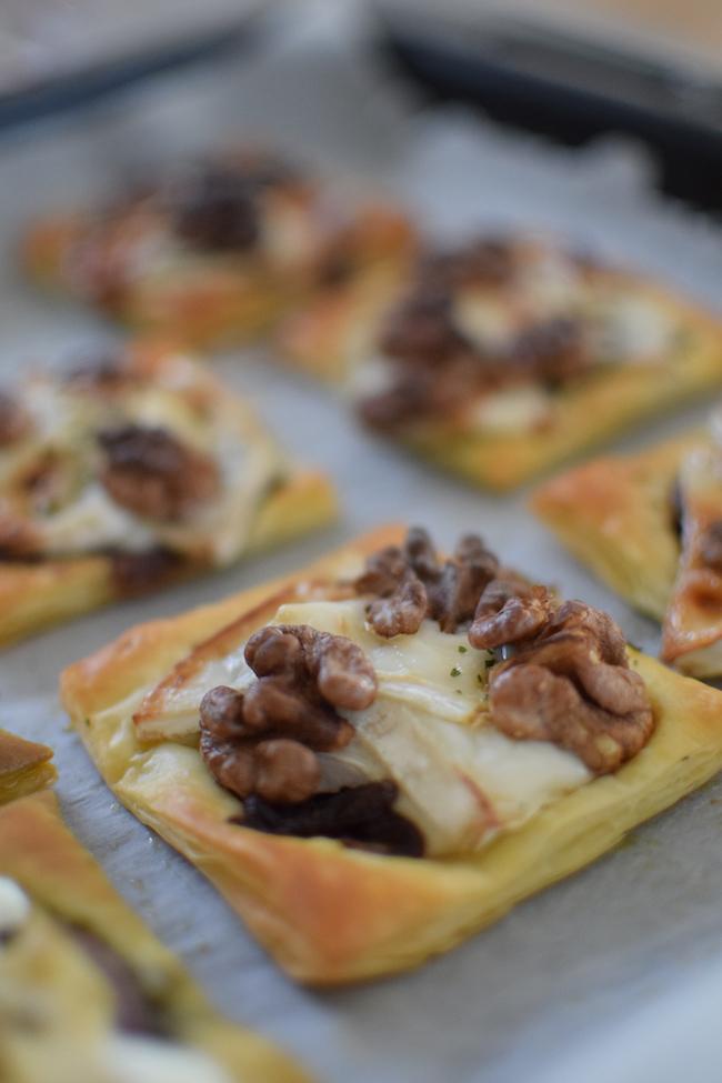 Les tartelettes chèvres noix miel   LovaLinda   Blog Cuisine   Recettes Apéritif Entrée Plat   Photographie