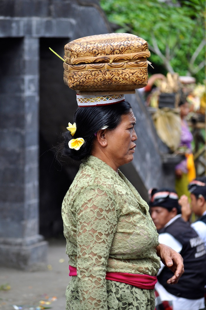 LovaLinda Bali Canang Rite