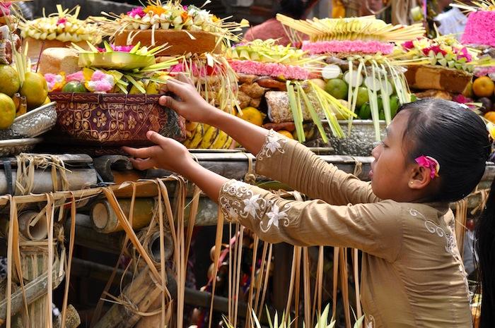 LovaLinda Bali Canang