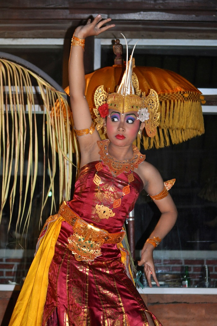 LovaLinda Bali Dancer