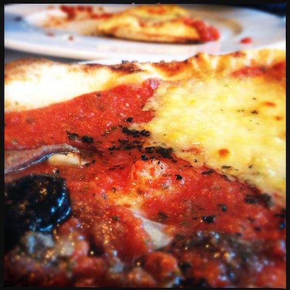 LovaLinda La Villa Pizza bi-saveurs