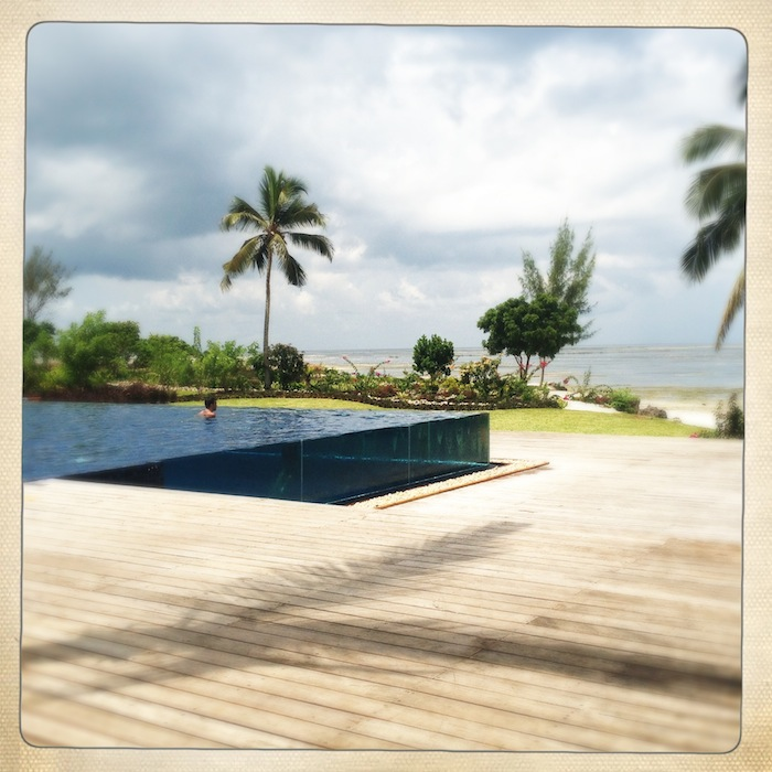 LovaLinda Zanzibar The Residence iPhone Hipstamatic 2
