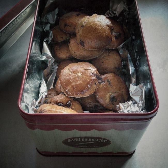 Les scones au chocolat by Julia Vale Marchier pour LovaLinda