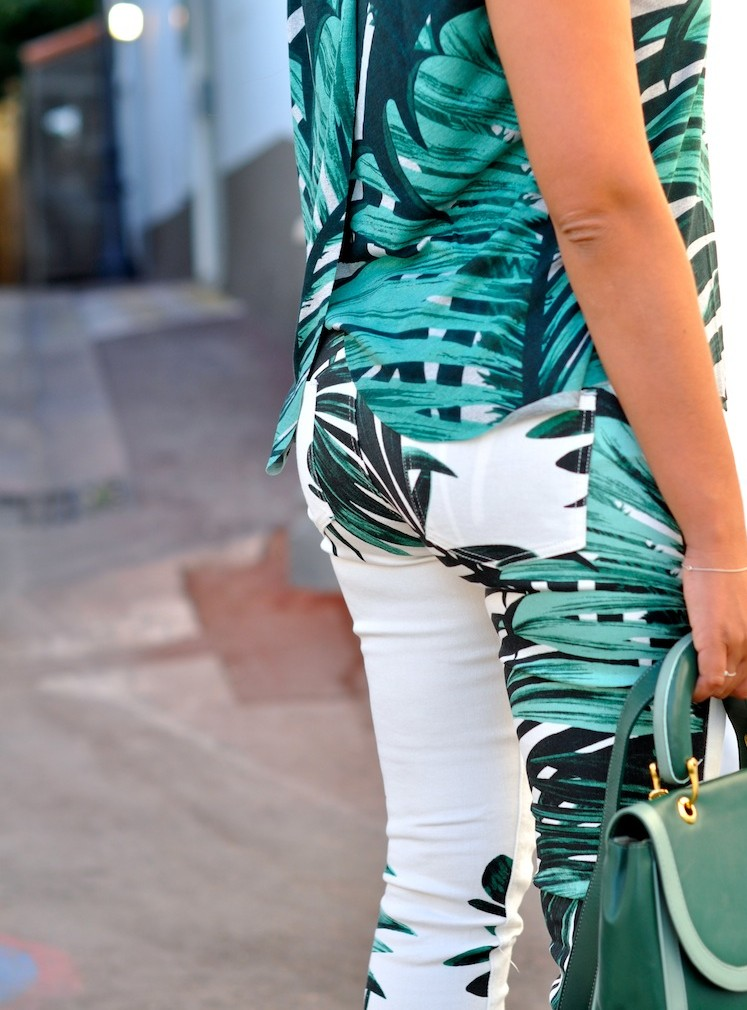 Lush Life - LovaLinda - American Retro Palm Pants in Print Palm x Jelly Top