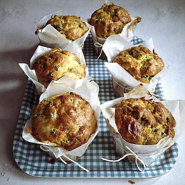 Les Muffins petits pois et cabécou par Julia Vale M pour LovaLinda