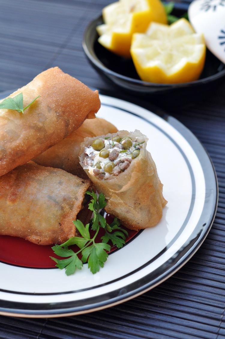 Les bourek viande hachée, petits pois et fromage fondu par LovaLinda