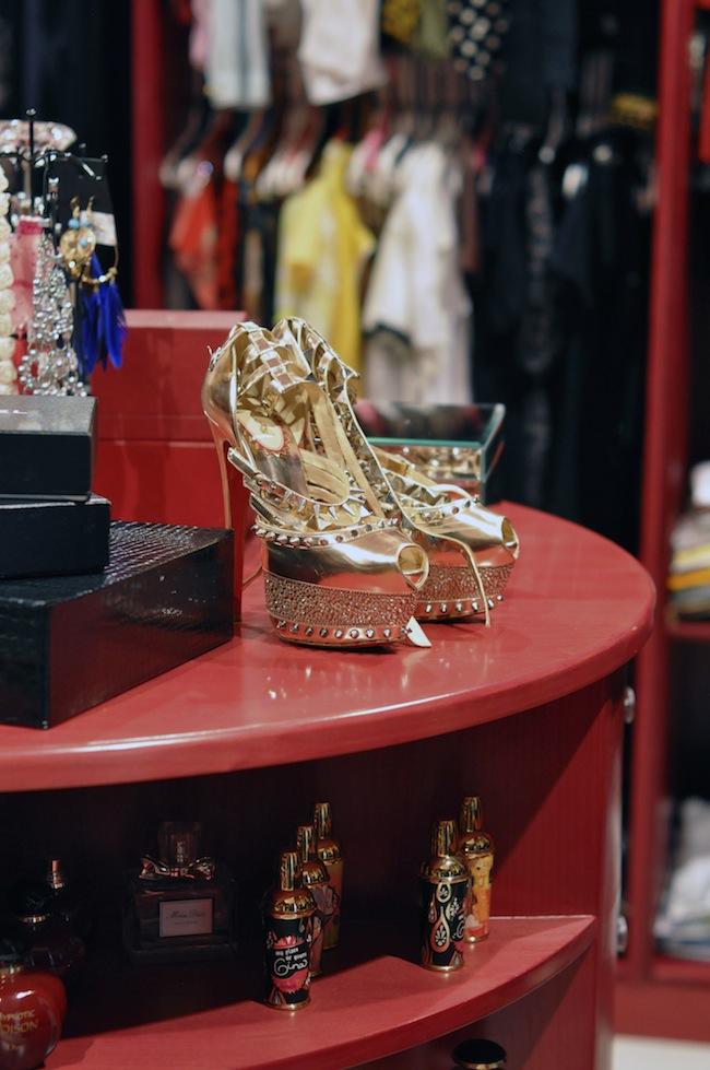 Dressing Princesse Sanaa | LovaLinda x Christian Louboutin Pumps