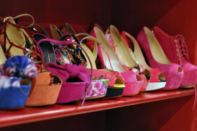 Dressing Princesse Sanaa | LovaLinda x Christian Louboutin x Charlotte Olympia x Gucci x Giuseppe Zanotti x x Jeffrey Campbell YSL Pumps