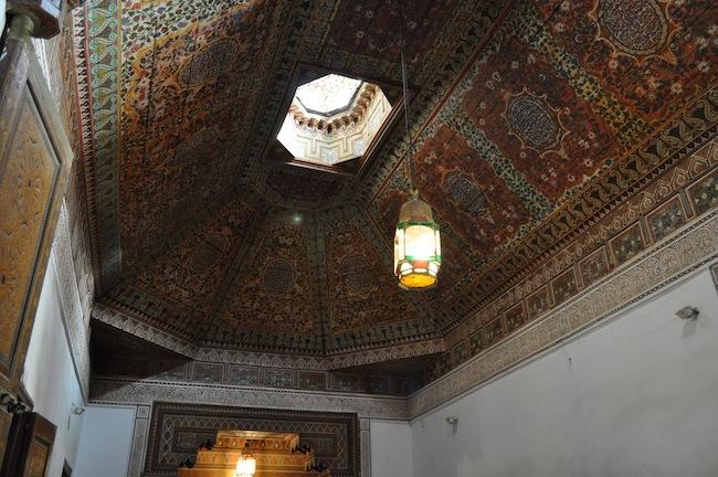 Les mille et une nuits à Marrakech | Lovalinda x Medina x Palais Bahia x Plafond