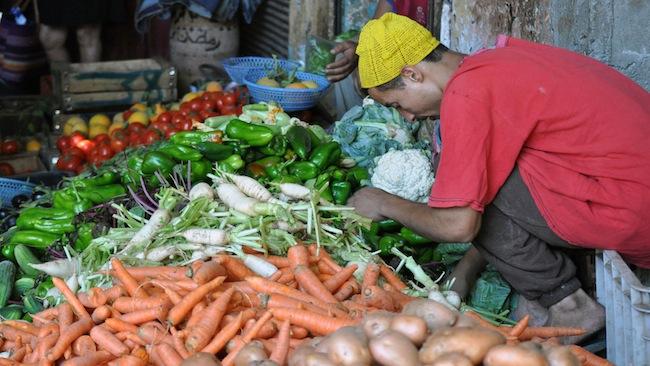 Les mille et une nuits à Marrakech | Lovalinda x Medina x Souk x Marchand de Légumes
