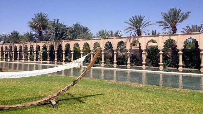 Les milles et une nuits à Marrakech | LovaLinda x Palais Namaskar x Hamac x Bassin