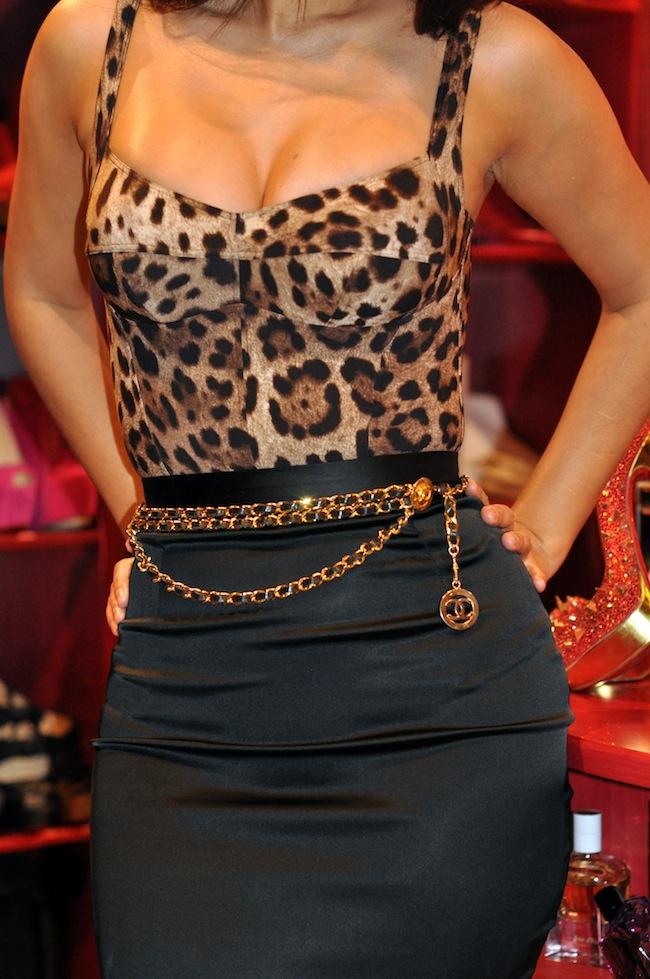 Princesse Sanaa | LovaLinda Streetlook x Chanel x Dolce Gabbana