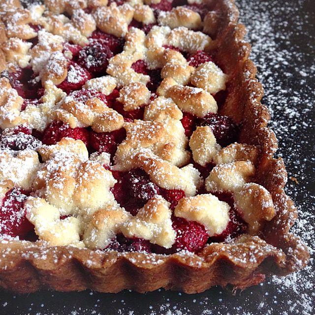 La tarte crumble framboise-amande par Julia | Lovalinda