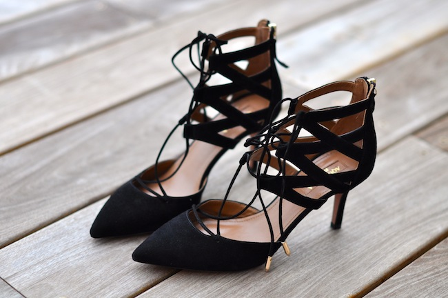 Les Belgravia | Lovalinda x Aquazurra lace-up suede pumps