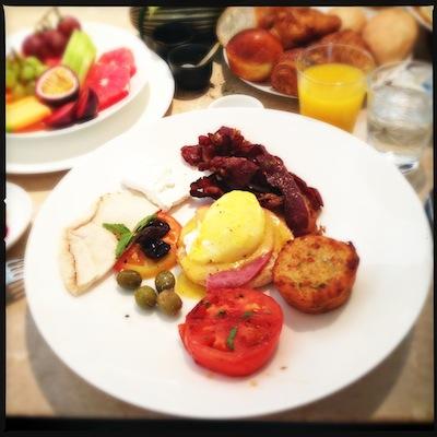 Le brunch pour la vie | Lovalinda x Oeuf et fruits