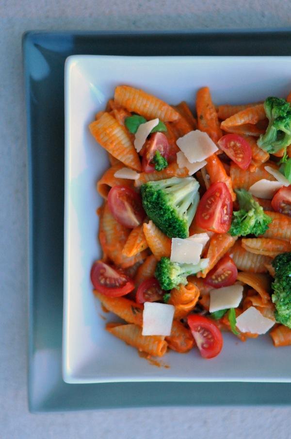Les pâtes au pesto rosso et brocolis | LovaLinda x Cuisine