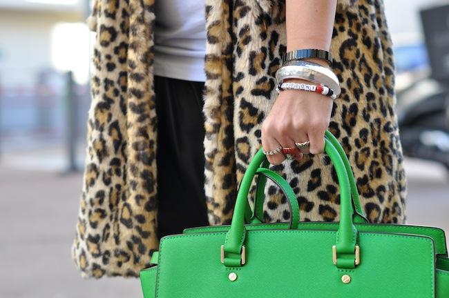 Le léopard se met au vert | LovaLinda x StreetStyle x Zara Leopard Coat x Michael Kors Selma Bag