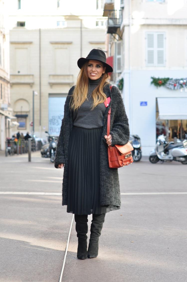 Les 5 nuances de gris | LovaLinda x Asos Skirt x Zara x Alexander Wang Sofia Over The Knee Boots