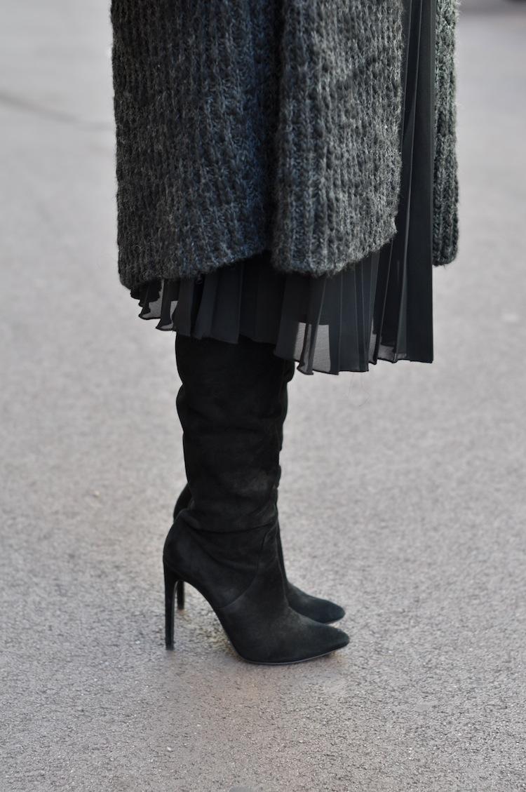 Les 5 nuances de gris | LovaLinda x Zara x Alexander Wang Sofia Over The Knee Boots