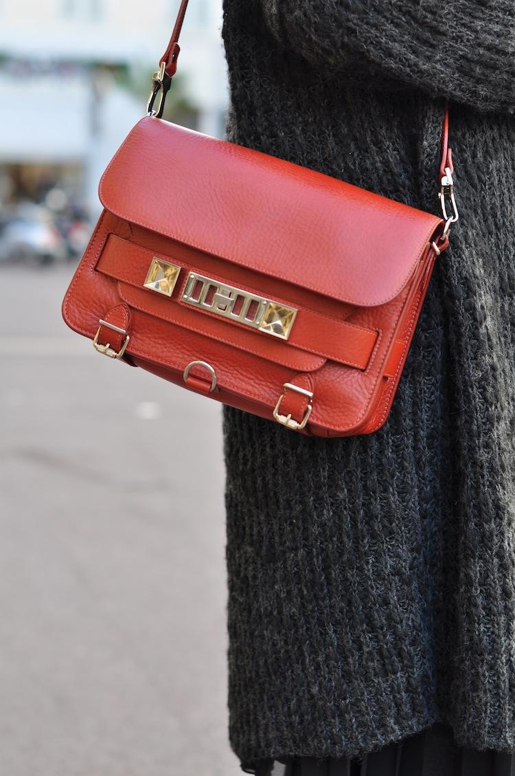 Les 5 nuances de gris | LovaLinda x Zara x Proenza Schouler PS11 Bag