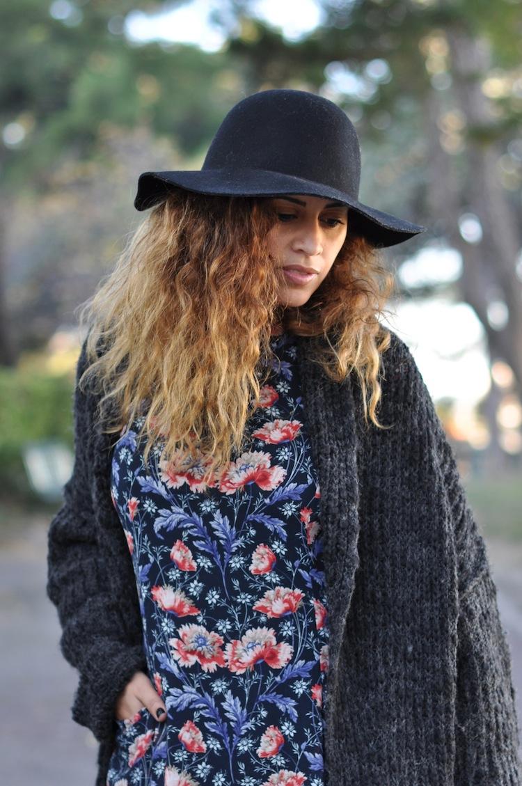 L'hiver en fleur | LovaLinda x H&M Hat Capeline x Zara Cardigan x Zara Dress