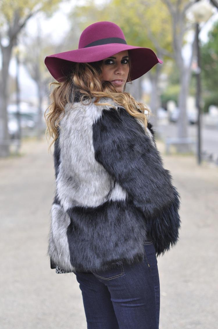 Le bourge décalé | LovaLinda x Maison Michel blanche rabbit-felt wide-brimmed hat x American Retro Faux-Fur Coat x Victoria Beckham Denim Flared Jeans