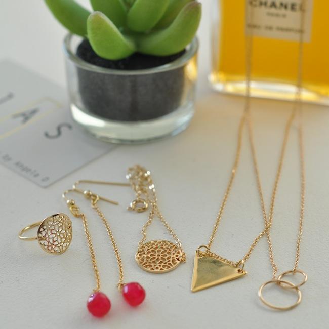 Les bijoux Jas Jewellery | LovaLinda x Jas Jewellery x Diane Angela | Photo by LovaLinda