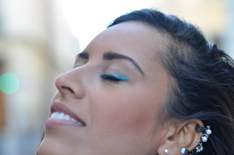 La Futuristic Working Girl | LovaLinda x  Asos Boucle de Lobe d'oreille x MUFE Eye-liner