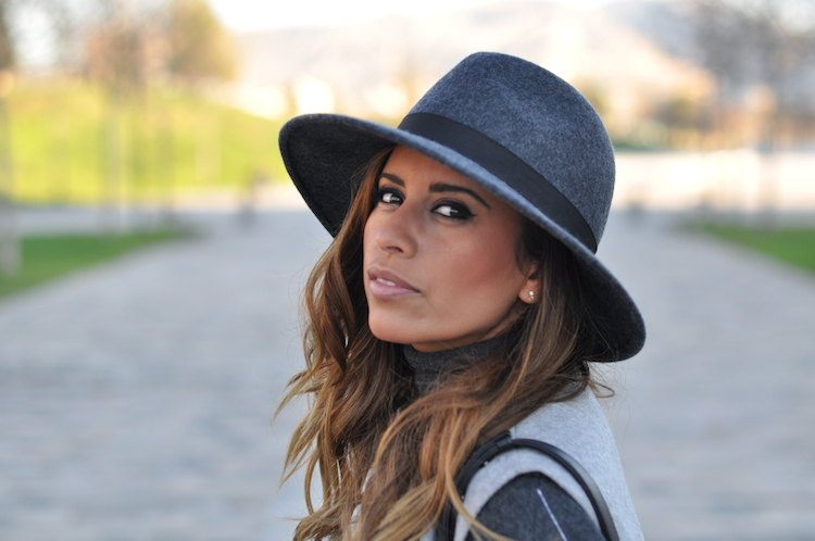 L'atout gris   LovaLinda x Blog Mode Look Marseille x French Connection Hat x Zara Jacket