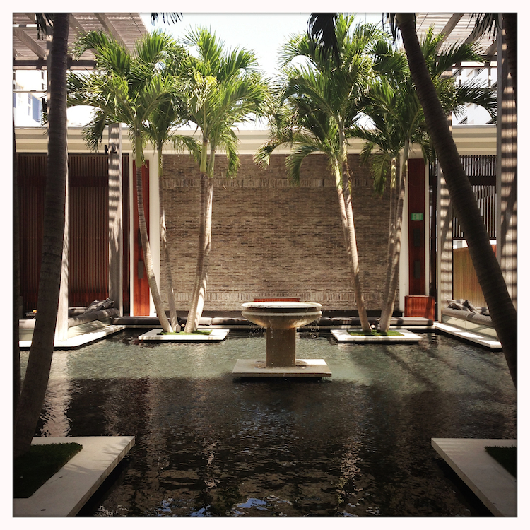 Le Miami des stars par LovaLinda | Guide Voyage x Bonnes Adresses à Miami | Blog Lifestyle | The Sataï Hotel x Swimming Pool