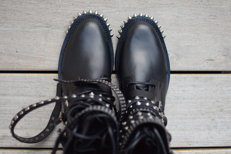 Les rangers derniere | LovaLinda x Saint-Laurent x Signature Rangers studded leather boots