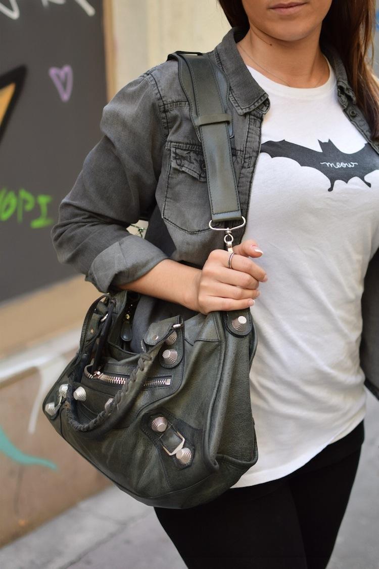 Le legging est in | LovaLinda x Streetstyle x Balenciaga Bag