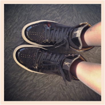 L'expérience Flux | LovaLinda x YSL Sneakers