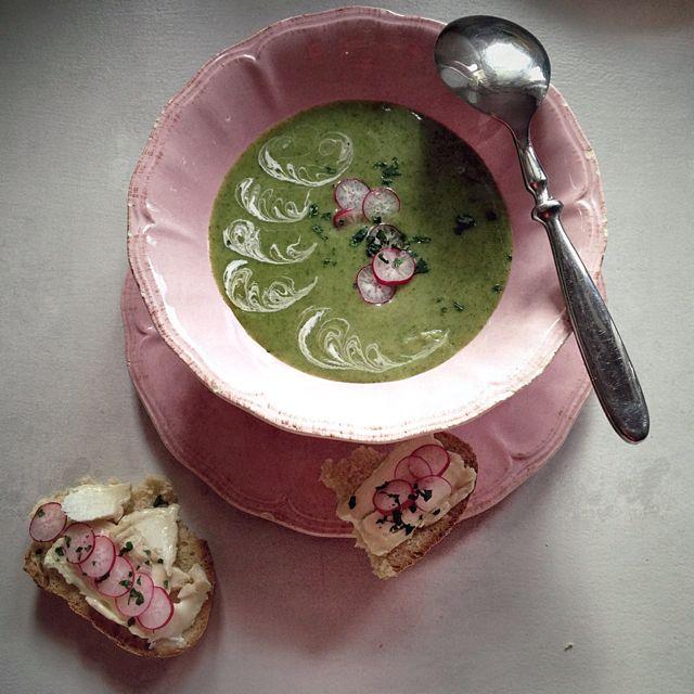 La soupe de fanes de radis par Julia Vale Marchier | LovaLinda
