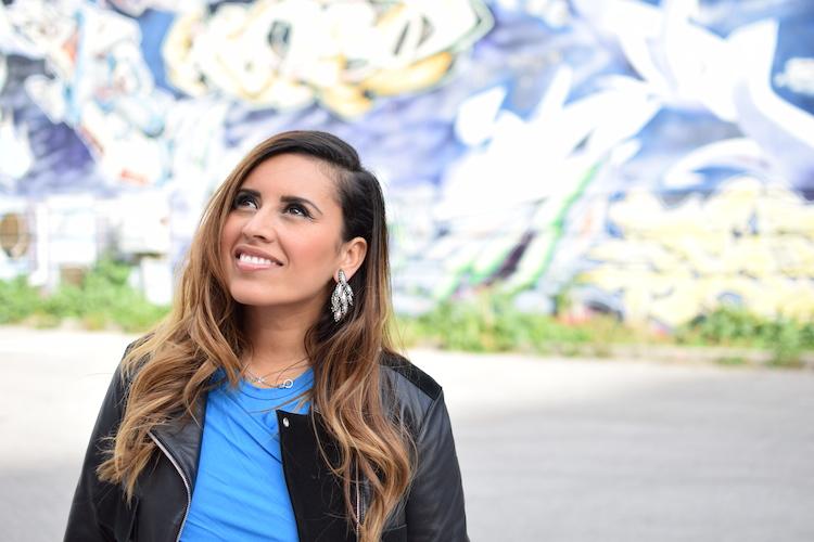 Le détail de taille | LovaLinda x Blog Mode Marseille x Perfecto Balenciaga x Top Carven x Boucles Elizabeth Cole