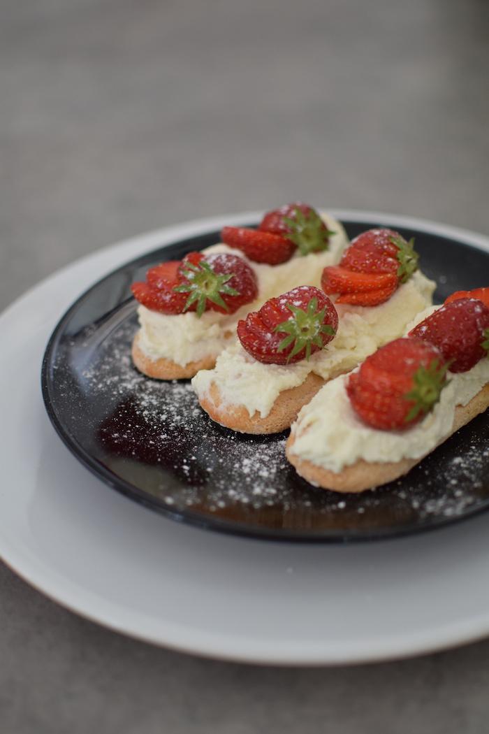 Le comme un fraisier | LovaLinda x Blog Cuisine Marseille x Fraises x Boudoir x Mascarpone x Amandes
