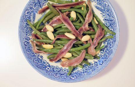 La salade haricots verts et anchois