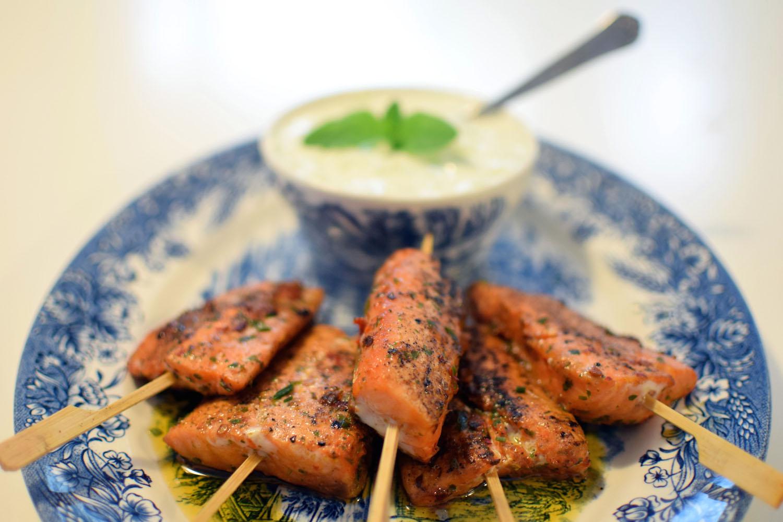 Les brochettes de saumon marinées au curry | LovaLinda