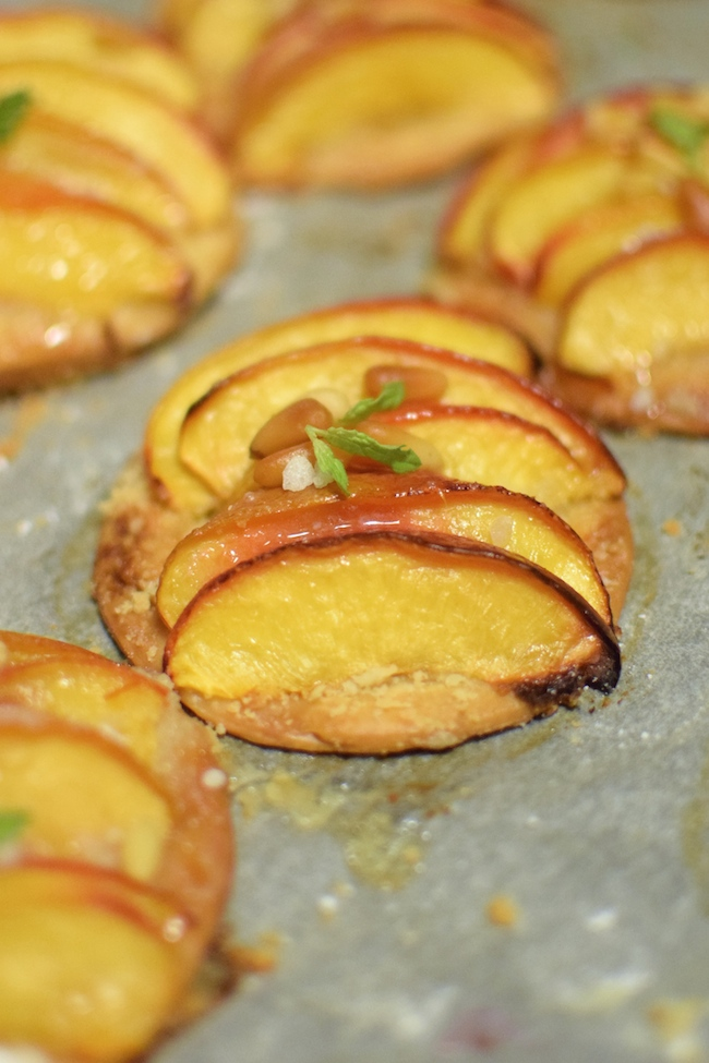 Les pizzettes de nectarines | LovaLinda x Blog Cuisine Marseille x Recette Ramadan 2014