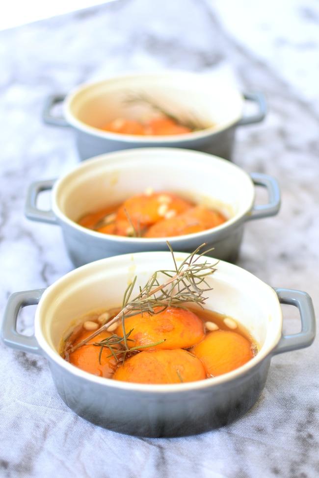 Les abricots rôtis au romarin | LovaLinda | Blog Recettes Cuisine Marseille