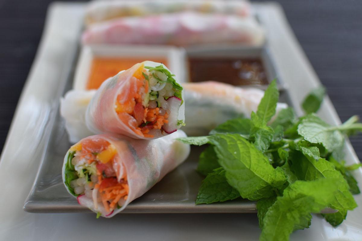 Les rouleaux de printemps saumon et mangue | LovaLinda Blog Cuisine