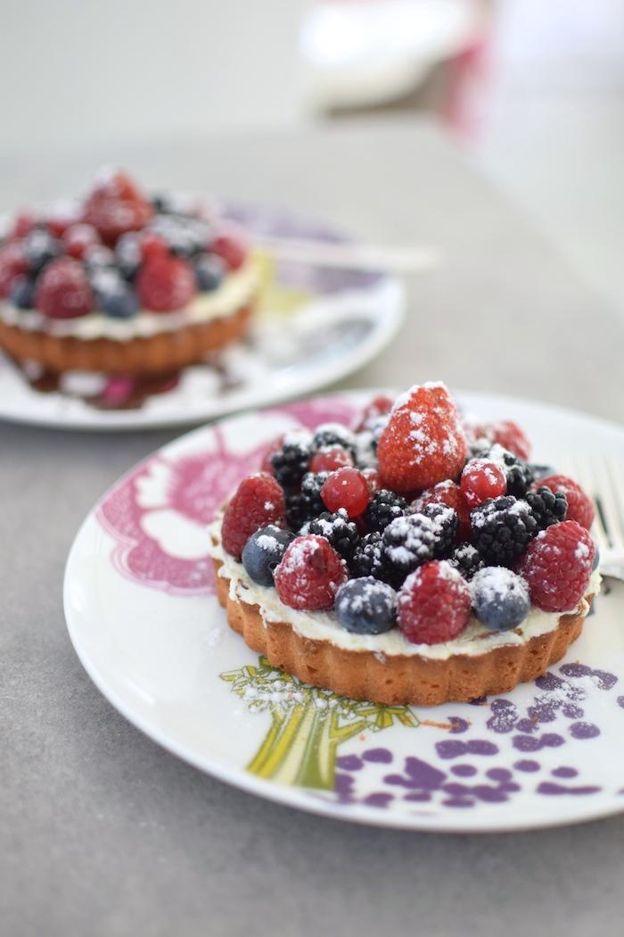 Les tartelettes de fruits rouges et noirs | LovaLinda x Blog Cuisine Pâtisserie Marseille