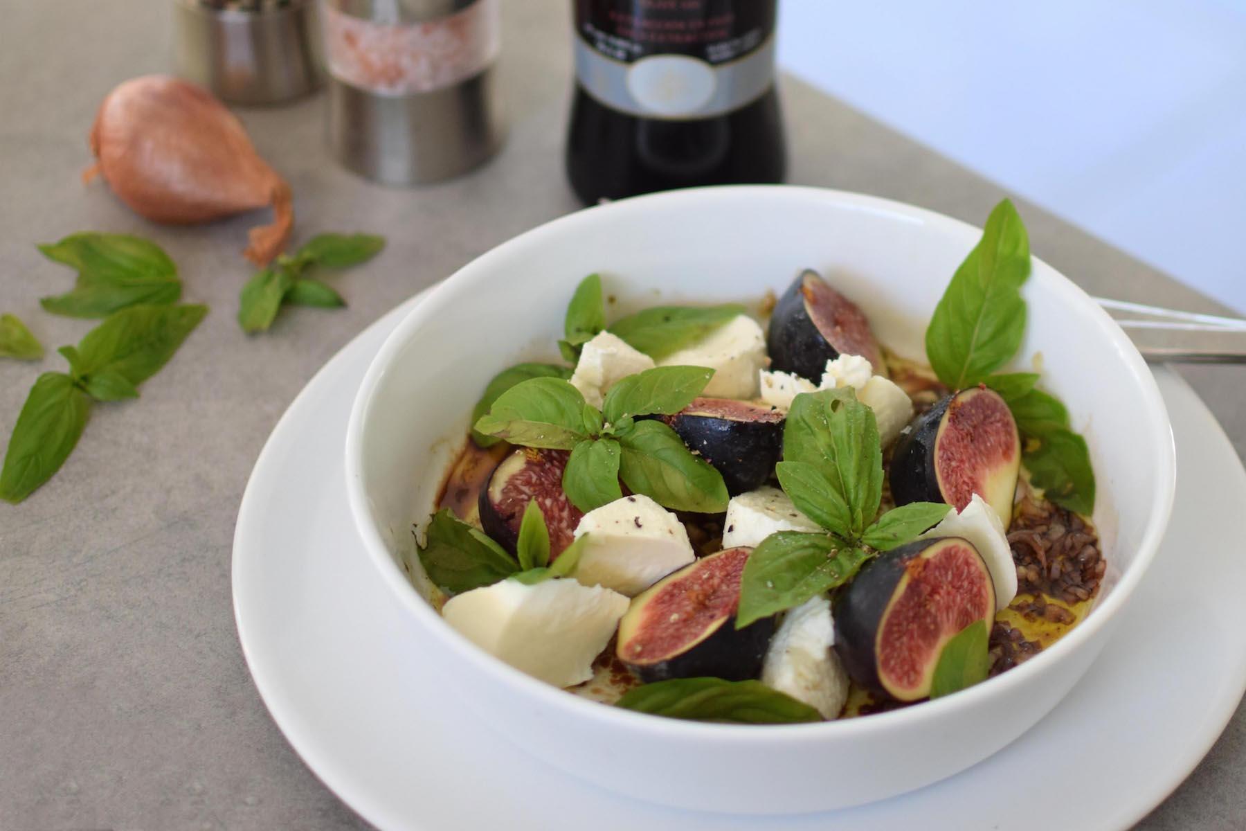 La salade de figues et mozza au basilic | LovaLinda |Blog Photo Cuisine Recettes Marseille
