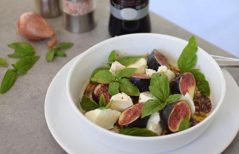 La salade de figues et mozza