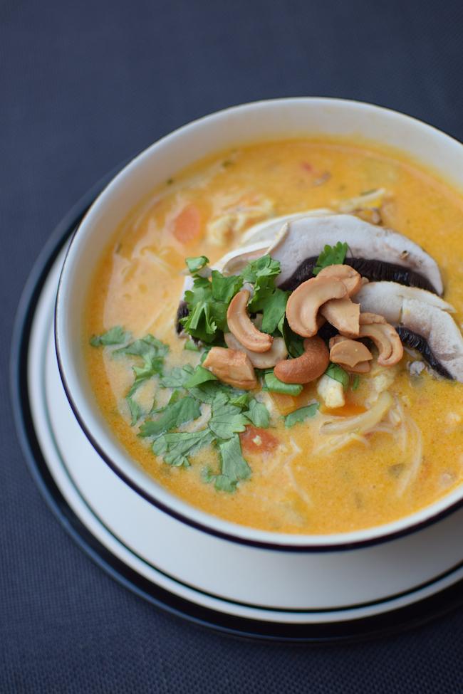 La soupe de poulet, curry et coco | LovaLinda | Blog Photo Cuisine Marseille