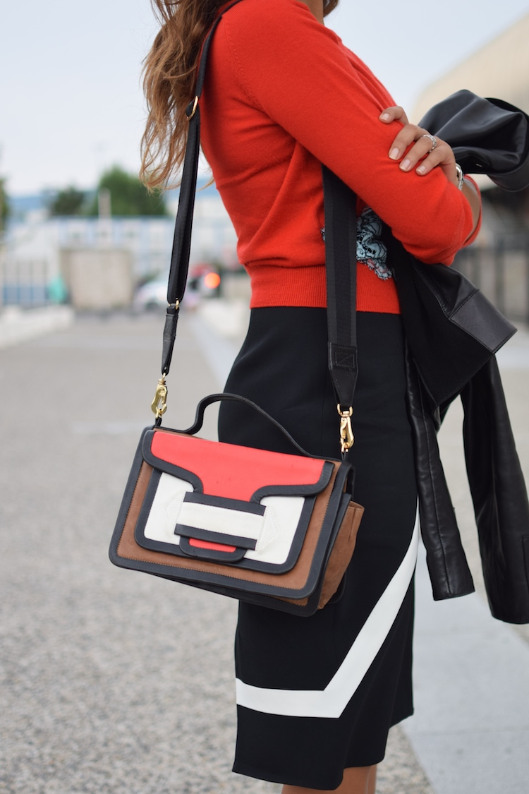 Le rouge et le noir | LovaLinda | Blog Mode Photo Lifestyle Marseille | Carven Sweater x Peter Pilotto Skirt x Marc By Marc Jacobs Sunglasses x Pierre Hardy Bag x Bionda Castana Pumps x Balenciaga Leather Jacket