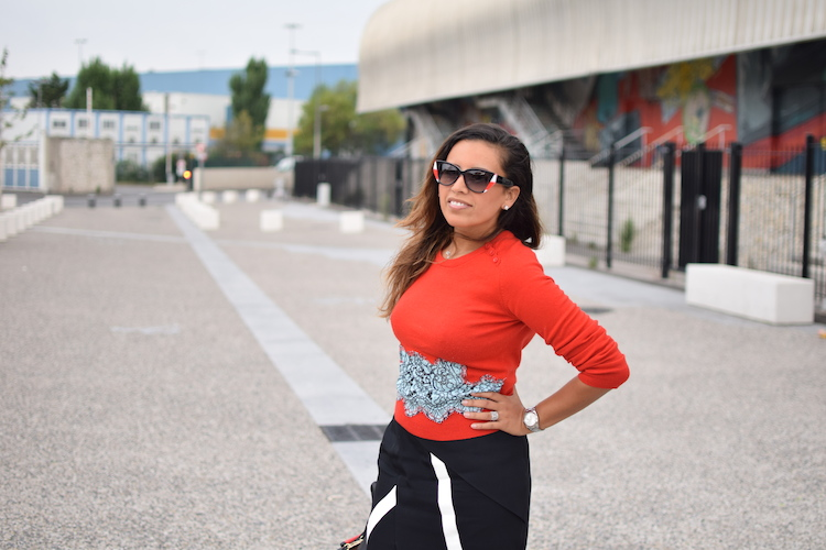 Le rouge et le noir | LovaLinda | Blog Mode Photo Lifestyle Marseille | Carven Sweater x Peter Pilotto Skirt x Marc By Marc Jacobs Sunglasses x Pierre Hardy Bag x Bionda Castana Pumps