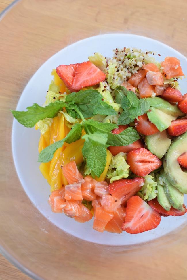 La salade de quinoa saumon fraises mangue menthe complète | Blog Cuisine Recette Photos Marseille