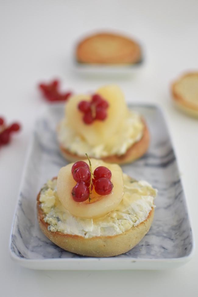 Les muffins anglais au bleu, miel et poire | LovaLinda | Blog Cuisine Recettes Photos Marseille